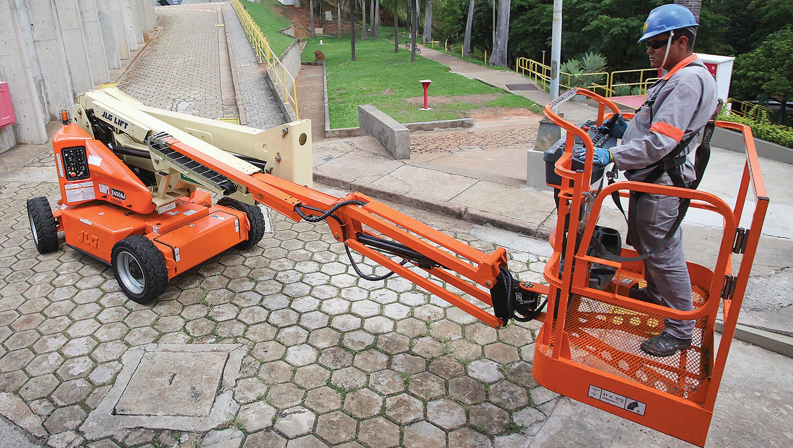 slide2-jlg450